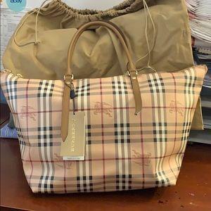 BURBERRY Haymarket Salisbury Tote Bag NWT